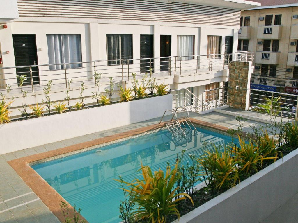 Swimming pool Erus Hotel Boracay