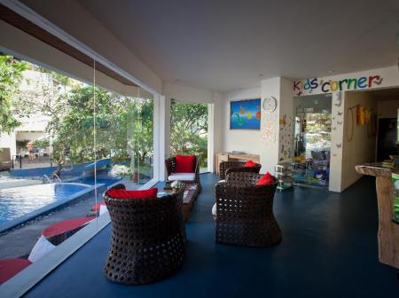 Tampilan interior Blu-Zea Resort by Double-Six