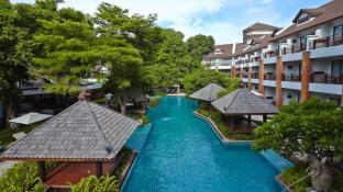 Woodlands Hotel and  Resort