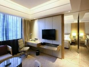Executive Suite with King Bed