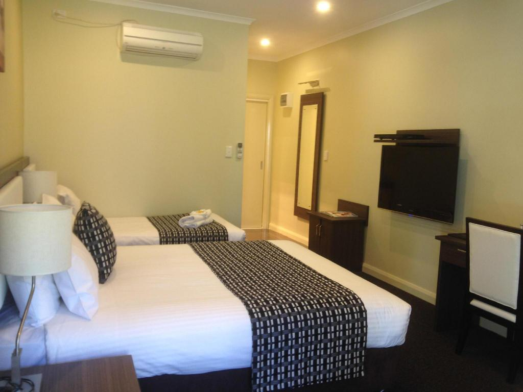 Deluxe Twin Room - Bed Best Western Melbourne Airport Motel and Convention