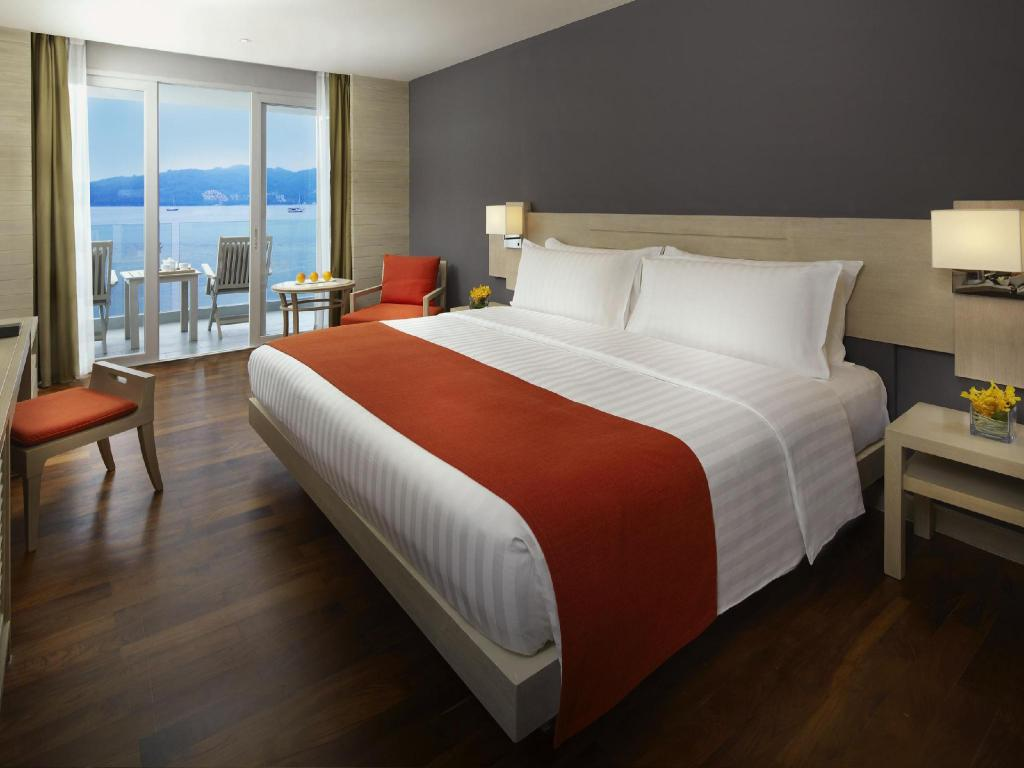 Superior Ocean View - Bed Amari Phuket