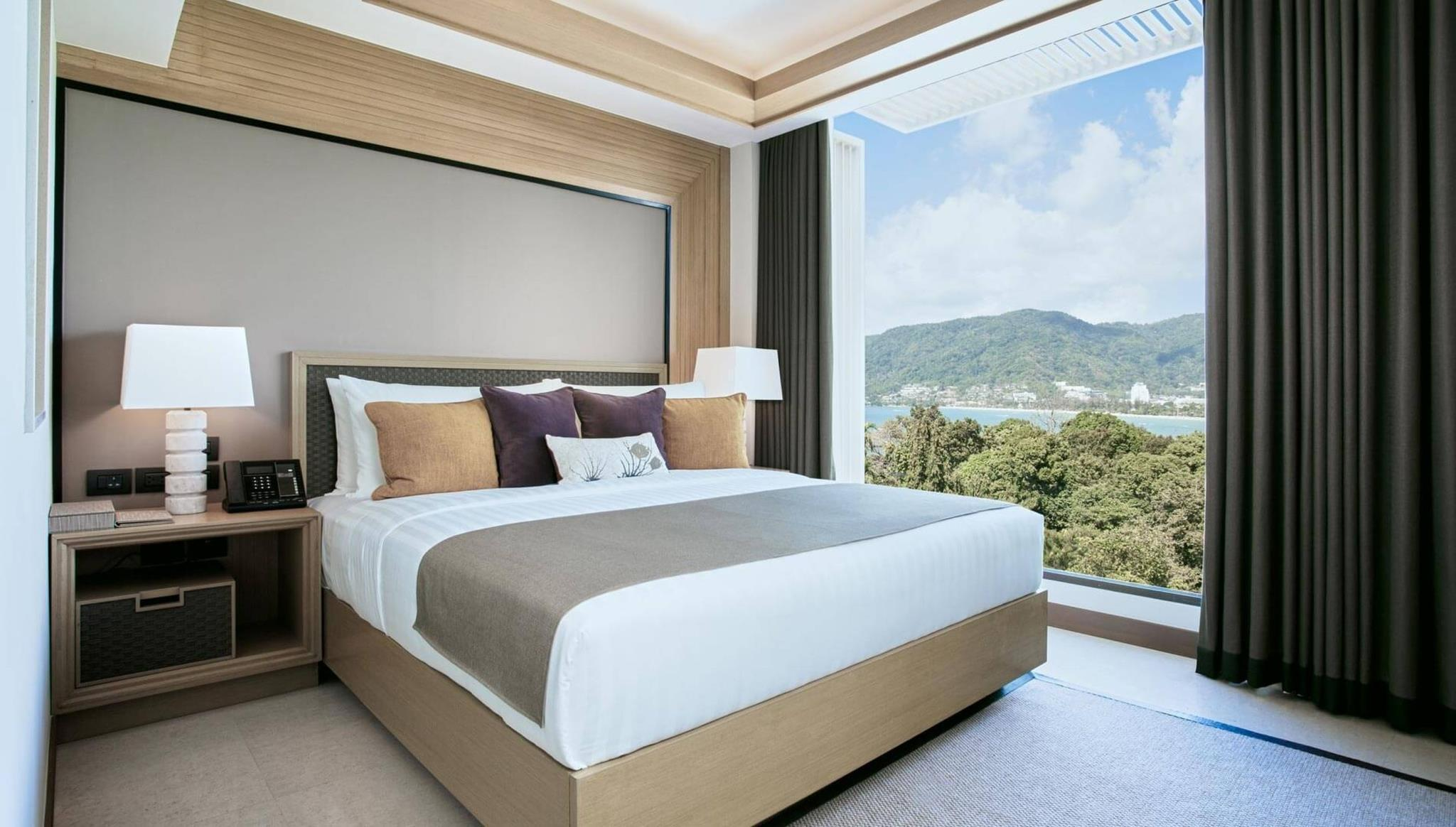 2-Bedroom Ocean-Facing Suite