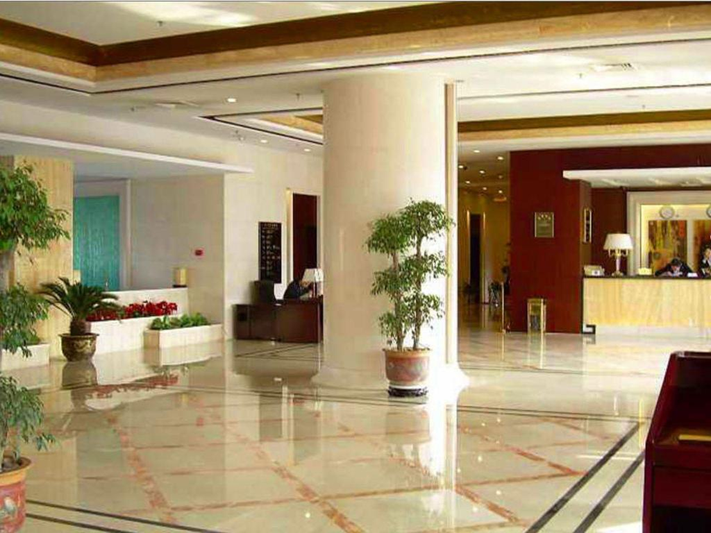 Лобби Tianjin Mayfair Hotel