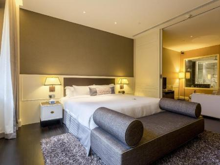 Collyer Suite Ascott Raffles Place Singapore