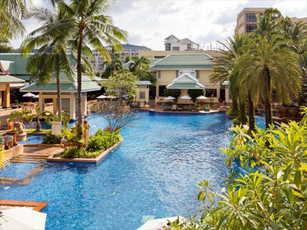 piscina al aire libre Holiday Inn Resort Phuket