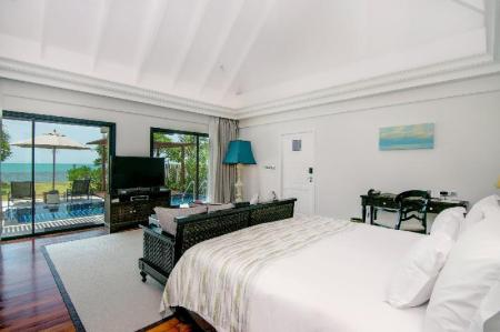 Club Beachfront Pool Villa - Guestroom InterContinental Koh Samui Resort
