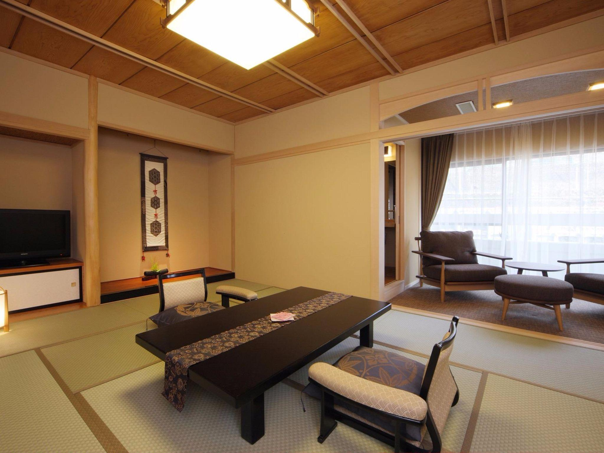 Japanese Western Style Room for 4 People - Smoking