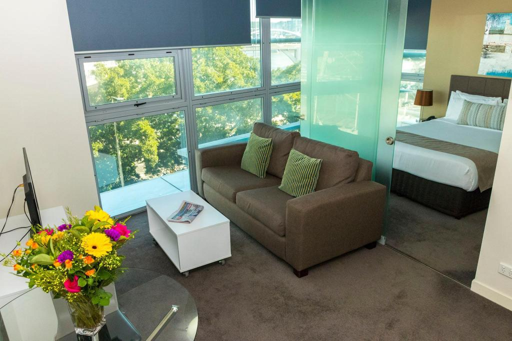Evolution Apartments, Brisbane - Booking Deals, Photos ...