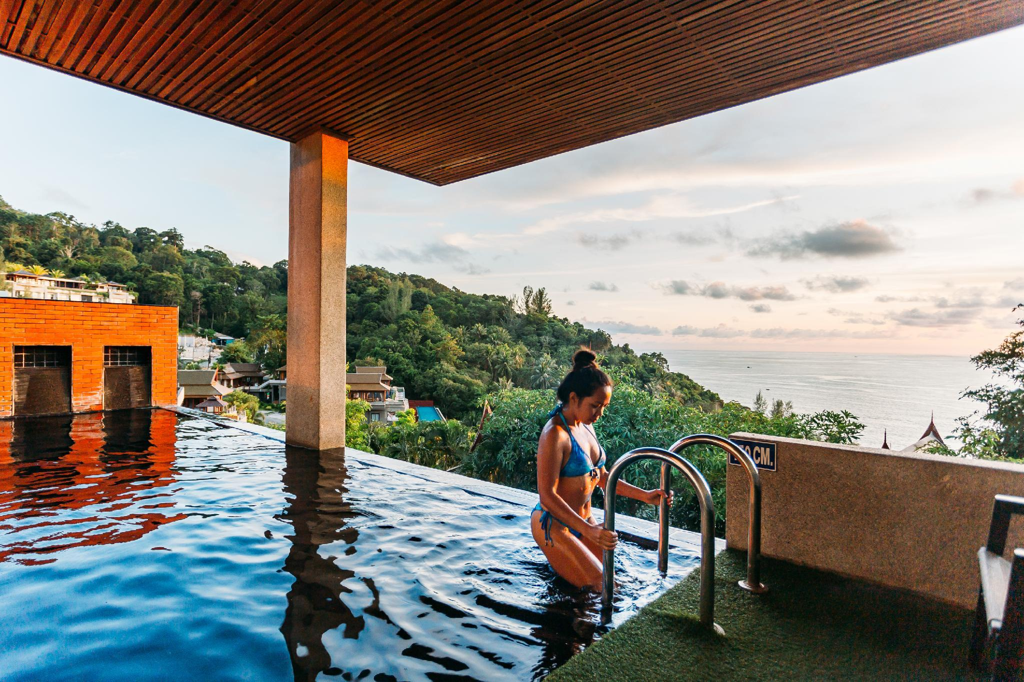 Grand Thai med spa-bad och privat pool (Grand Thai with Spa Bath And Private Pool)