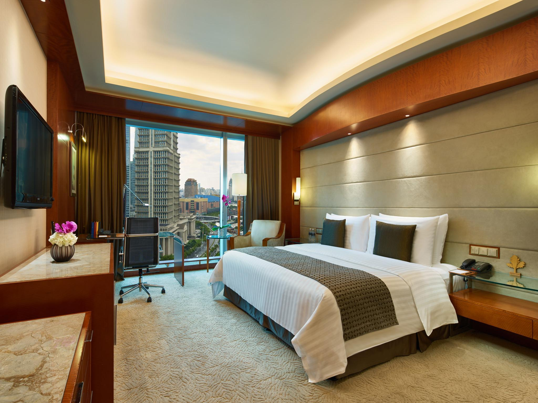 Premier Skyline View Room