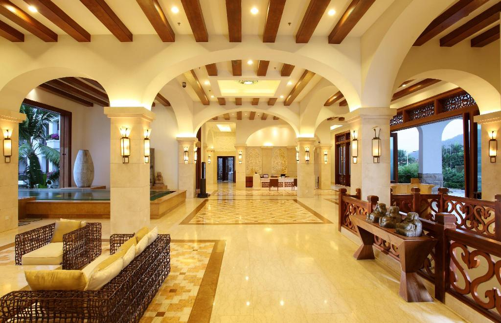 Лобби Aegean Boutique Suites Resort Sanya