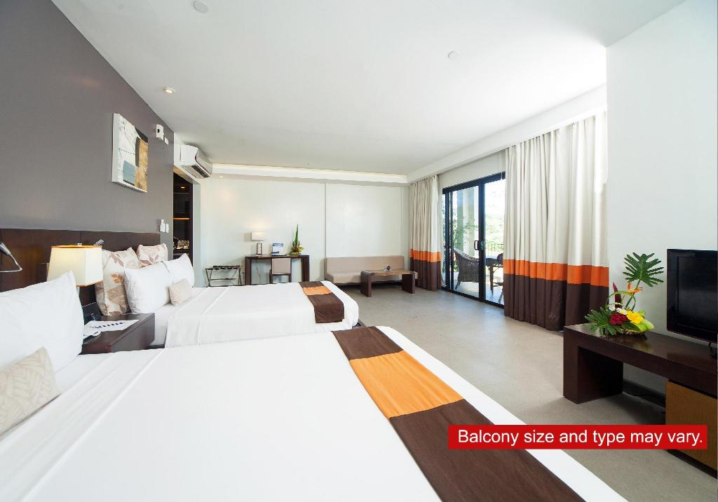 Superior - Guestroom Fairways and Bluewater Newcoast Boracay