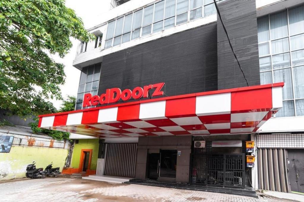 Reddoorz Plus Jalan Adam Malik Medan Medan Promo Terbaru 2020 Foto Hd Ulasan