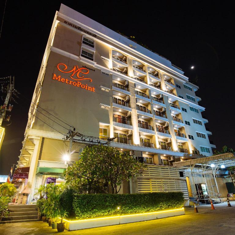 More about Metro Point Hotel
