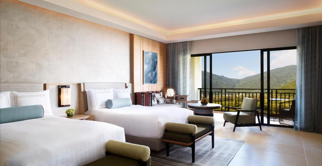 Deluxe Room, Guest room, 1 King or 2 Queen, Garden view - Pemandangan The Ritz-Carlton Sanya, Yalong Bay