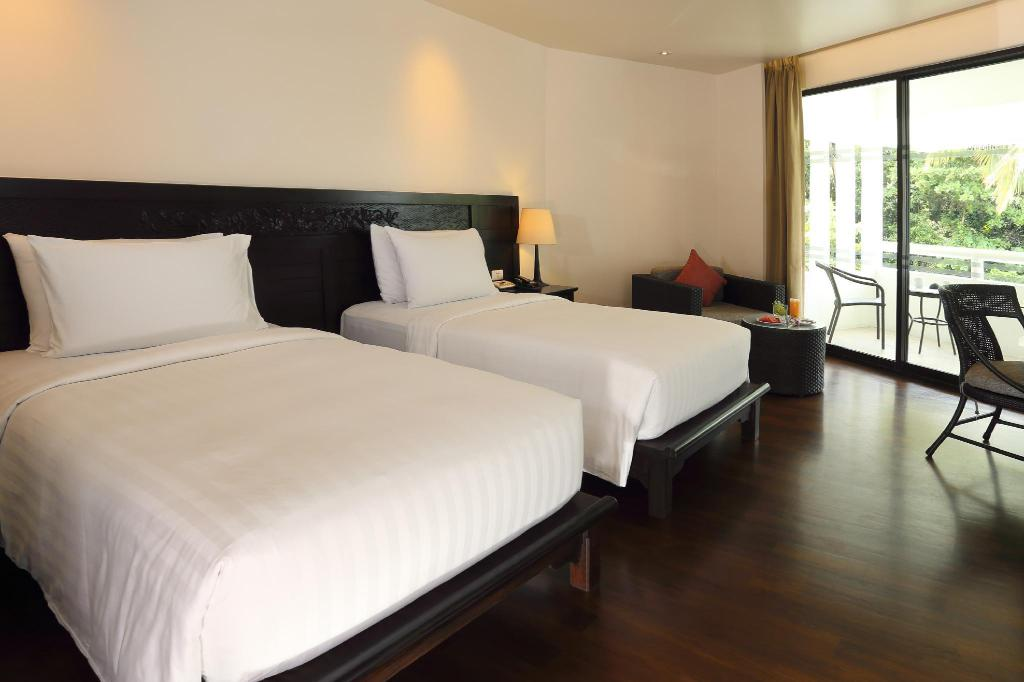 Guest room, 1 King or 2 Twin/Single Bed(s), No view, Balcony - Bed