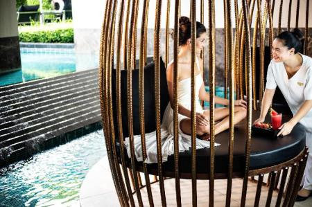 Swimming pool [outdoor] Sofitel Bangkok Sukhumvit Hotel