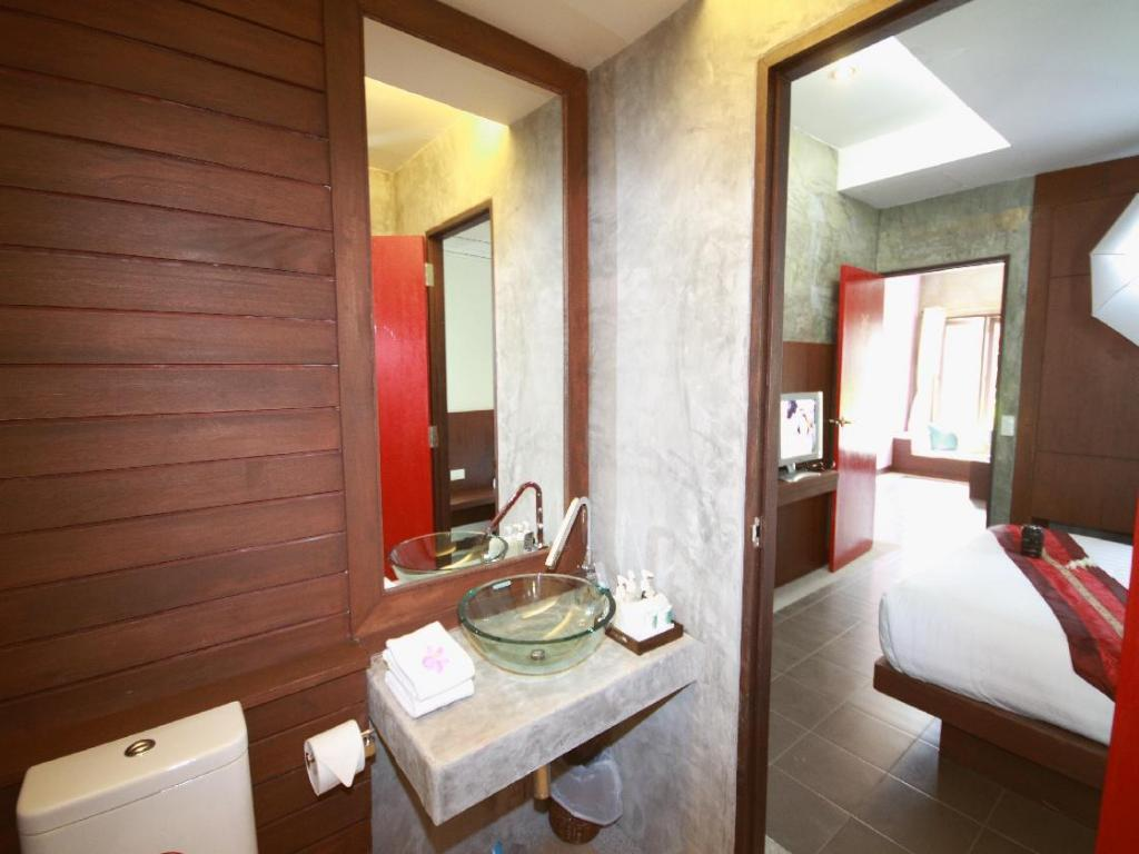 Bathroom Samui Heritage Resort