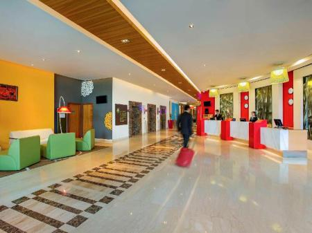 Foyer ibis Gurgaon Hotel - An AccorHotels Brand