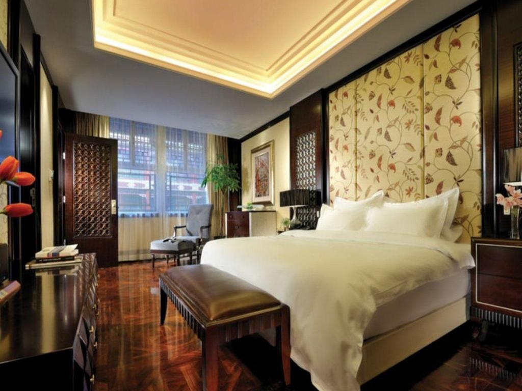 Deluxe with King Bed - Guestroom Han's Royal Garden Boutique Hotel