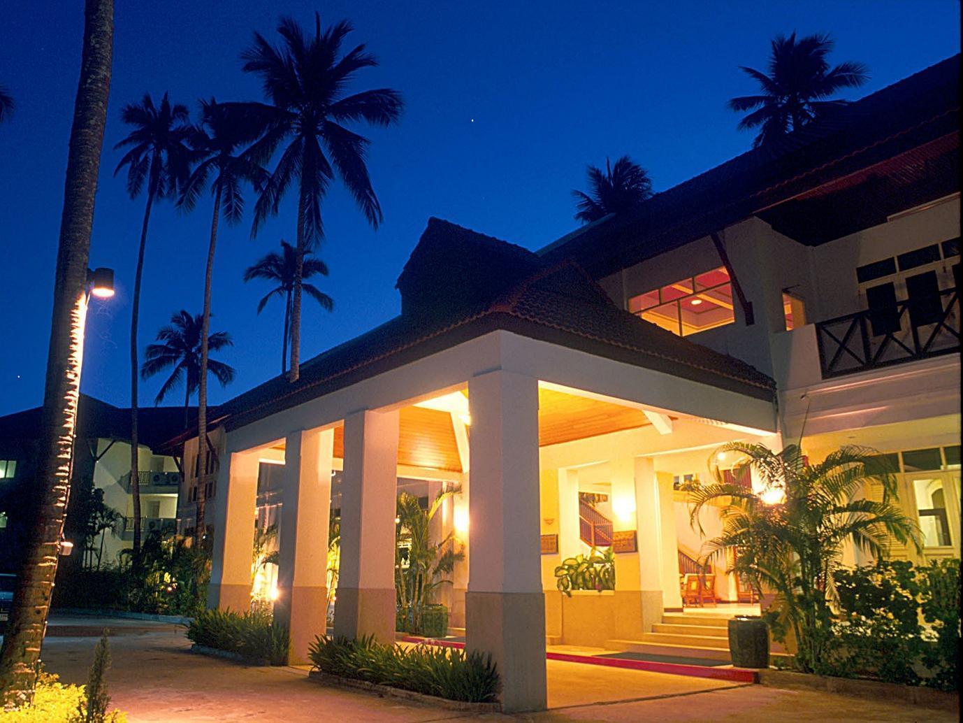 Amora Beach Resort 4 (Thailand, Phuket): photos, room description, service, tips and tourist reviews 77