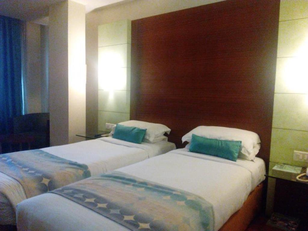 Young Island Comforts Bangalore Photos Room Rates