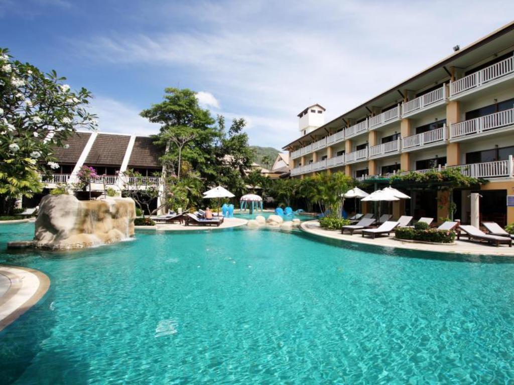 Swimming pool Thara Patong Beach Resort & Spa