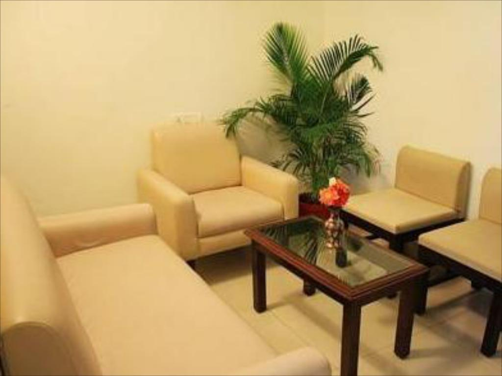 Tampilan interior Hotel Golden Residency