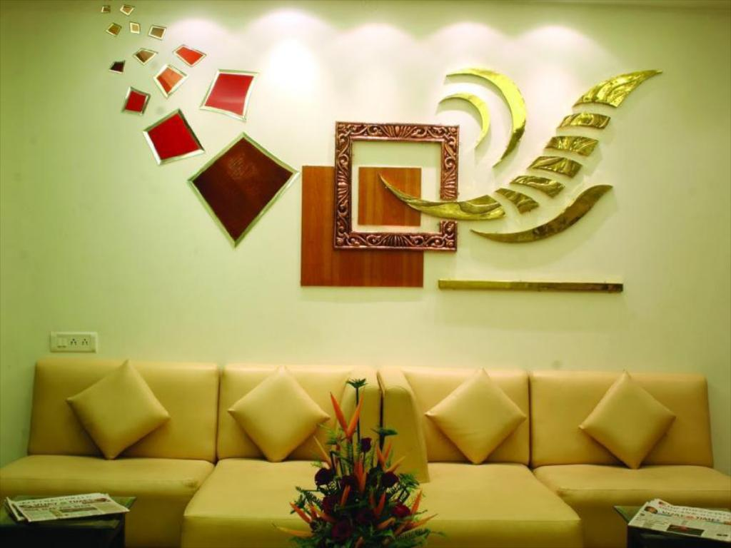Lobi Hotel Golden Residency