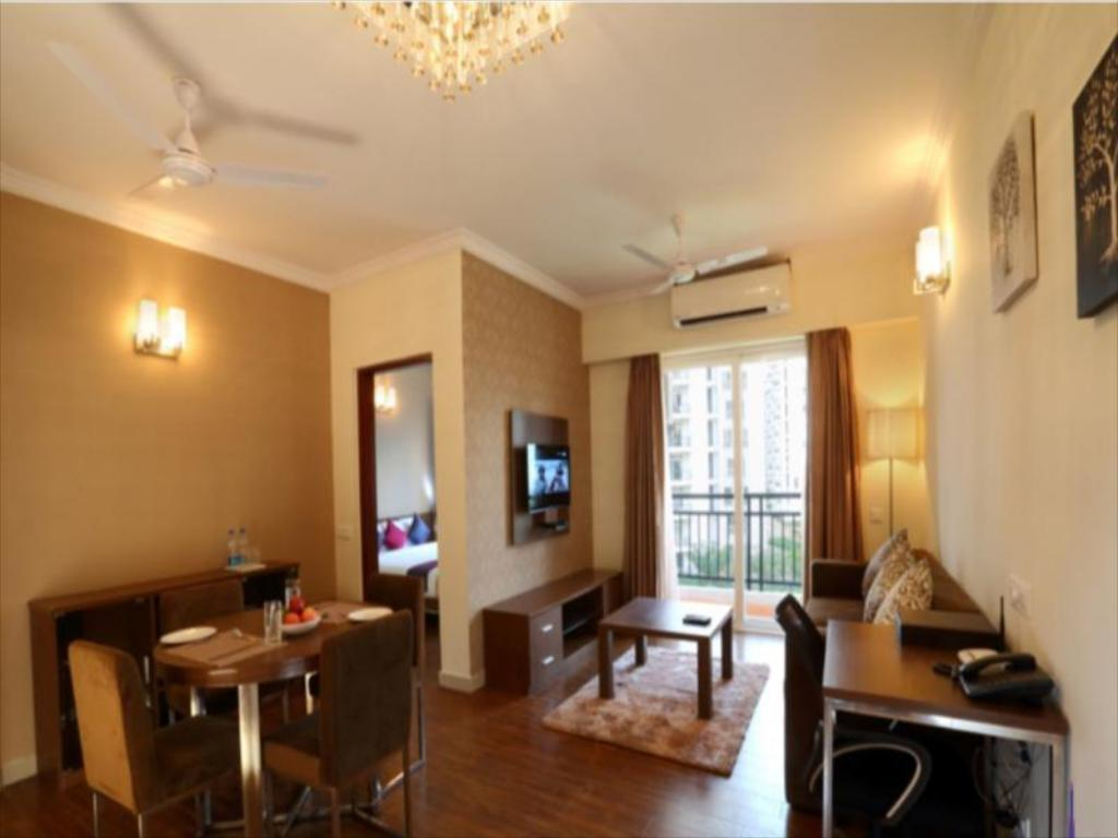 Интерьер Sterling Suites - Boutique Serviced Apartments Near M.G Road