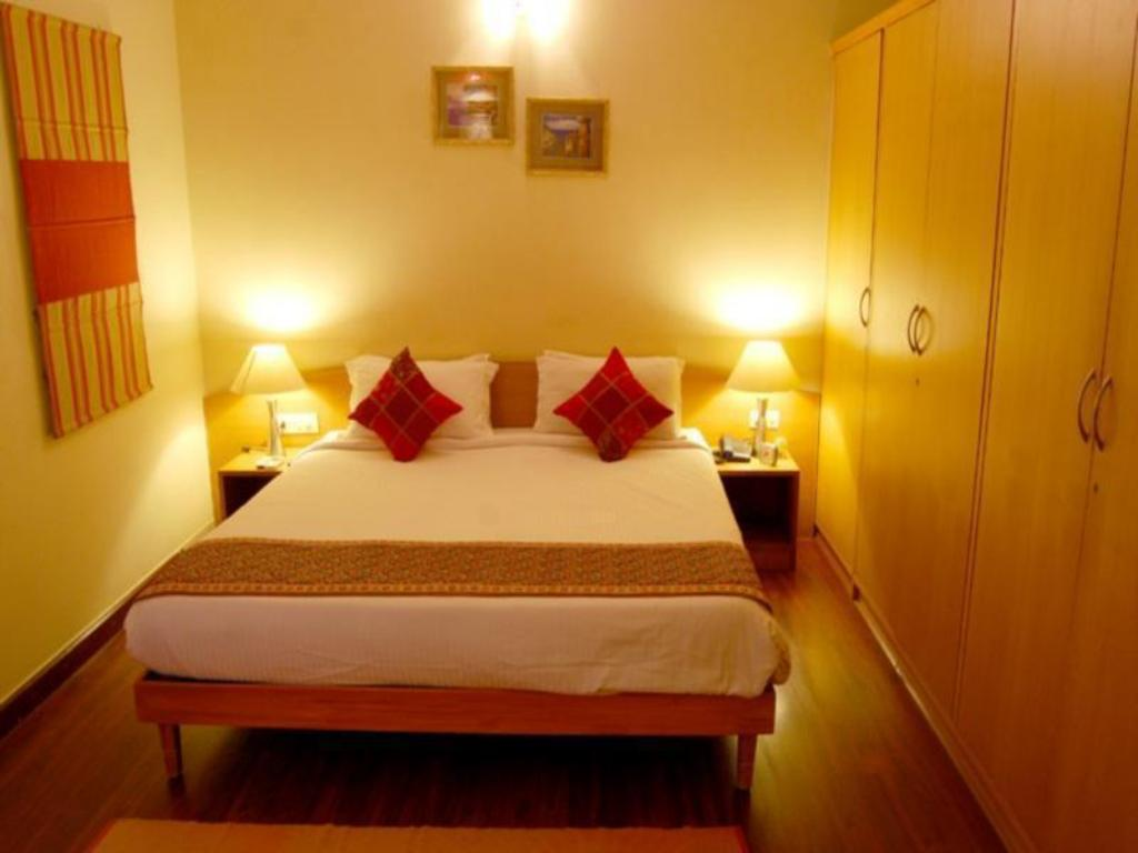 Executive - Pat Sterling Suites - Boutique Serviced Apartments Near M.G Road