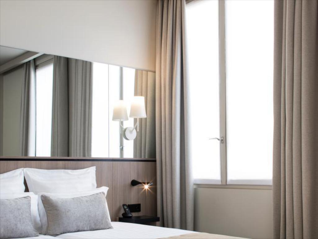 Classic Room - Bed Hôtel Opéra Liège (Pet-friendly)
