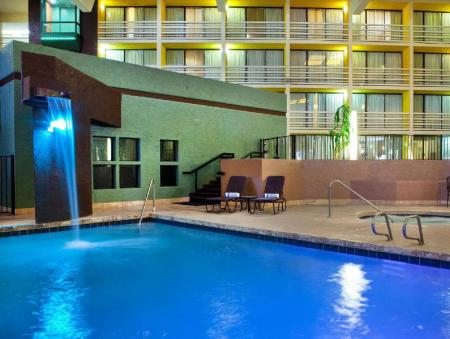 Swimming pool Four Points by Sheraton Phoenix North
