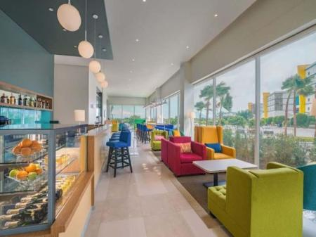 Lobby Park Inn by Radisson Clark