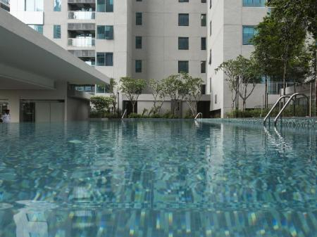 Swimming pool [outdoor] Summer Suites Bernice