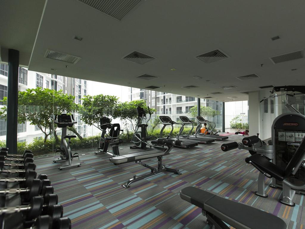 Fitness center Summer Suites Bernice