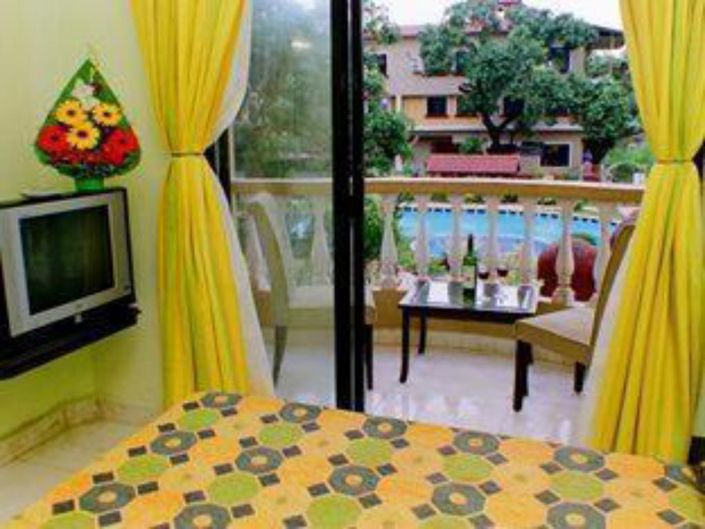 Deluxe Room (Pool View) - Guestroom Country Club De Goa Hotel