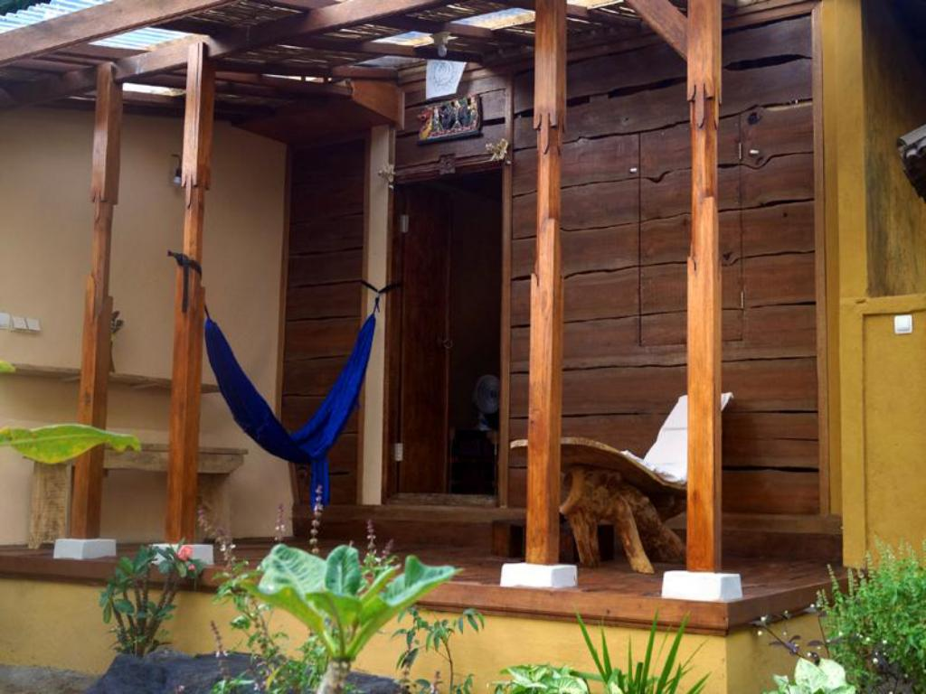 Private Room - 1 Double Bed Lafyu Bali Holiday Home