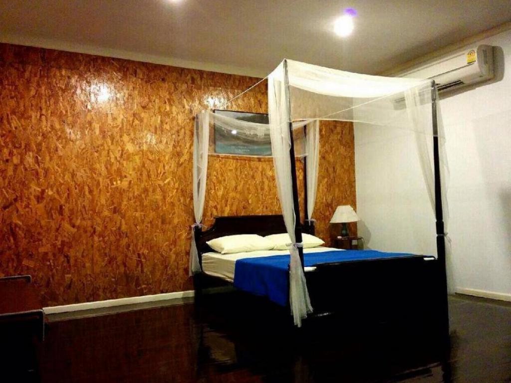 Double Bed Room - Bed Baan Sukapanpotharam