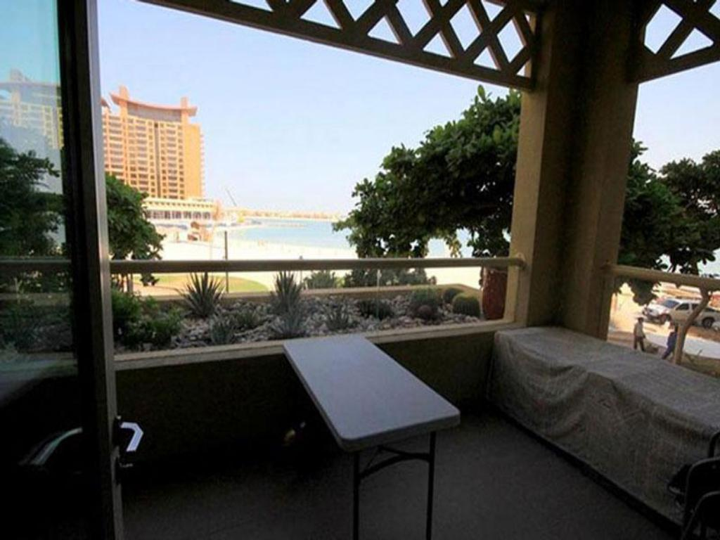 Balkons/terase Dubai Apartments - One Bedroom Apartments Palm
