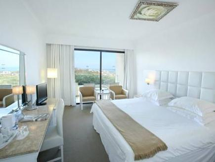 Standard Twin or Double Room - Partial Sea View