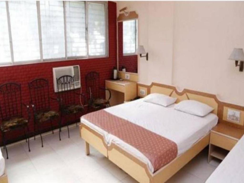 Deluxe Air Conditioning - Bed Saigal Guest House