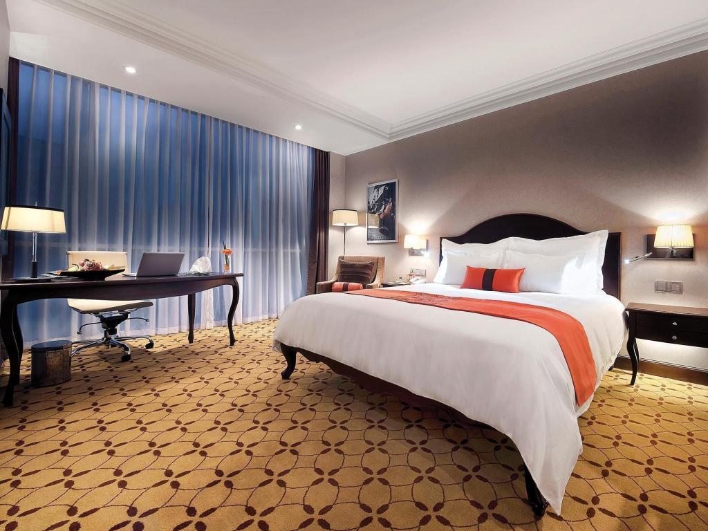 Quarto Superior Eastin Grand Hotel Saigon