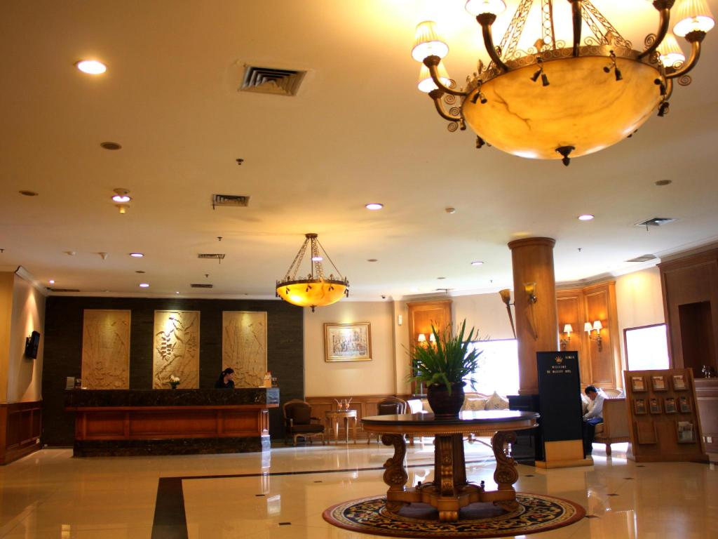 Lobi The Majesty Business and Family Hotel