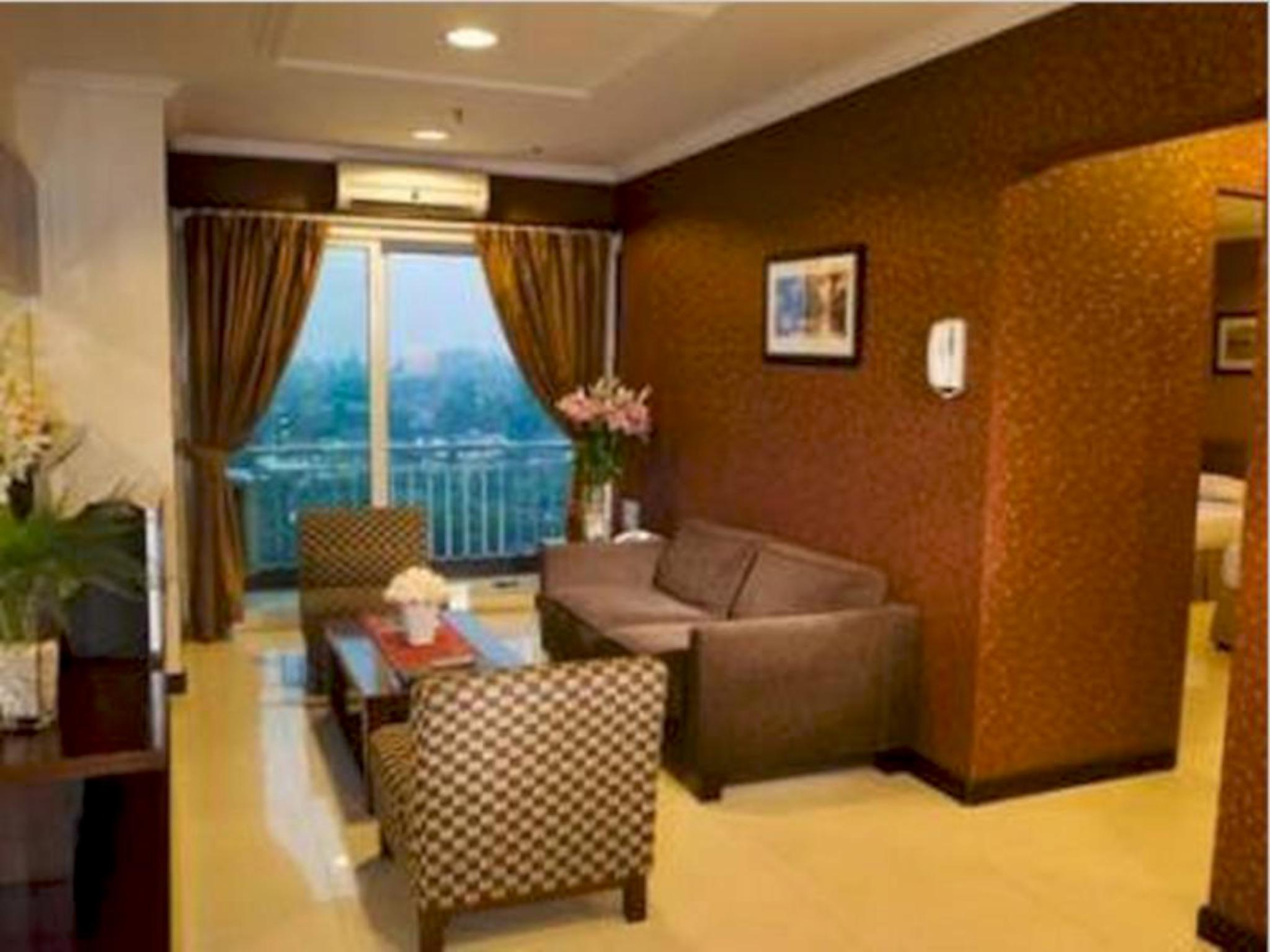 Suite Executive 3 Kamar Tidur (3 Bedroom Executive Suite)