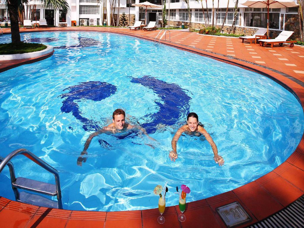 Best price on century riverside hue hotel in hue reviews for Public swimming pools in riverside ca