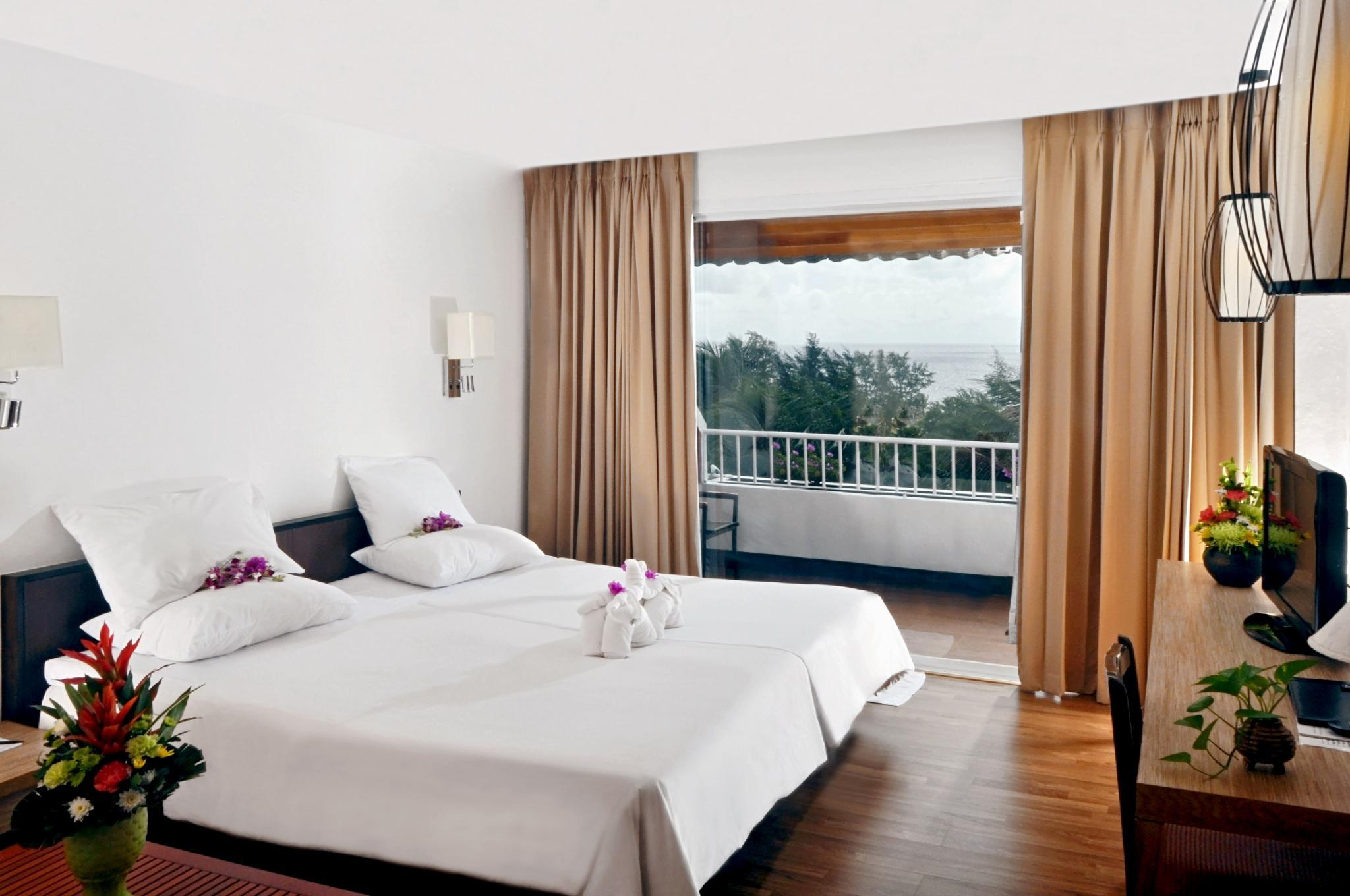 Deluxe Room with King Bed Ocean View Non Smoking