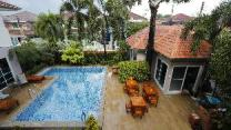8 Bedroom Pool Villa in Downtown Pattaya