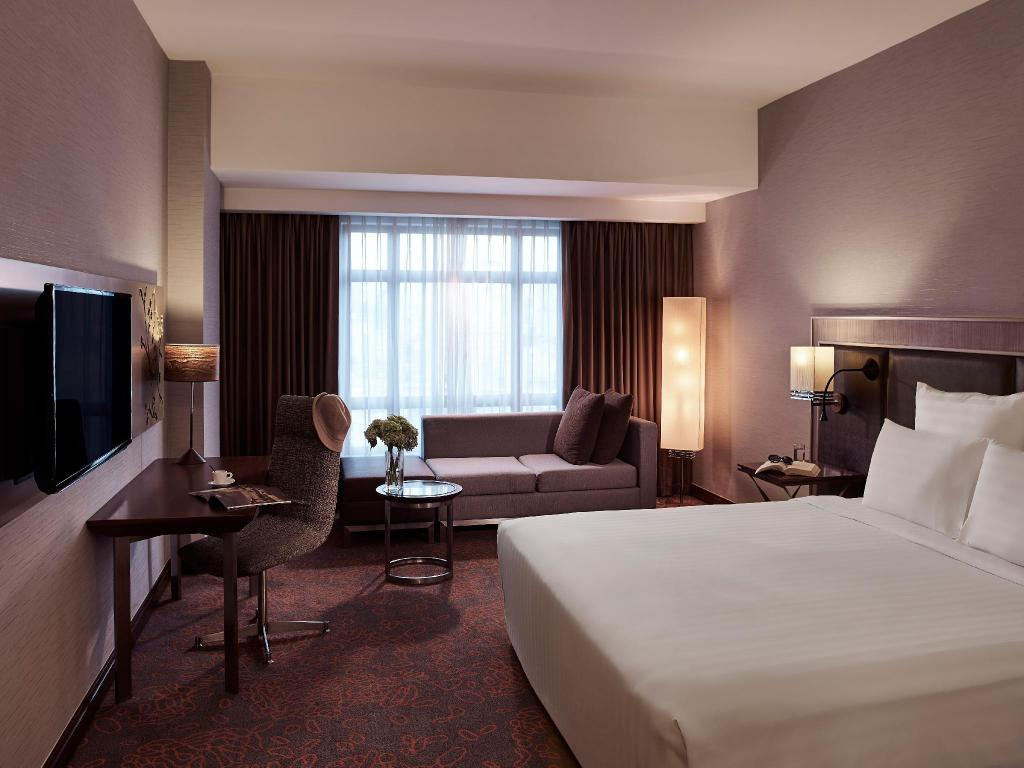 DELUXE ROOM, 1 King Size Bed, City View - Vistas Pullman Hanoi Hotel